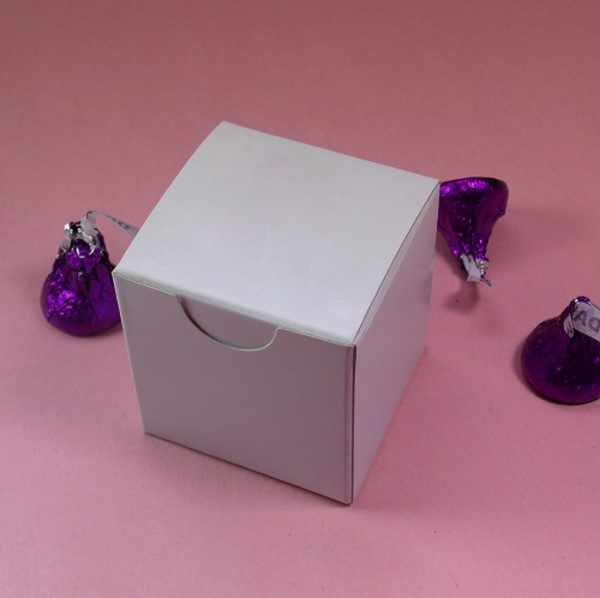 White Tuck Top Box - 2 x 2 x 2